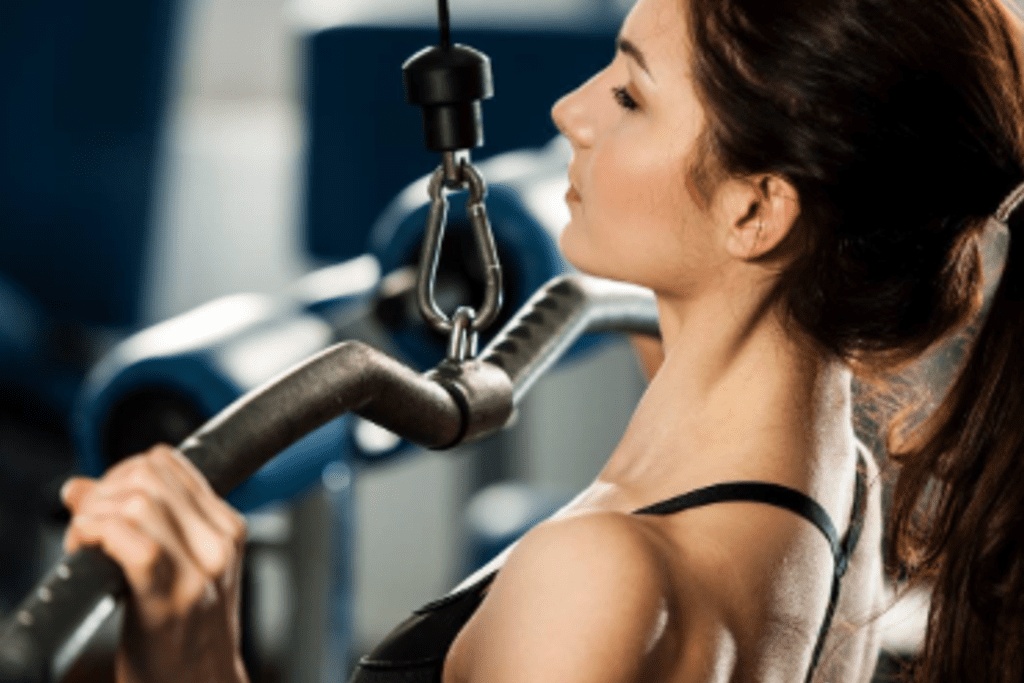 woman-working-out-at-gym