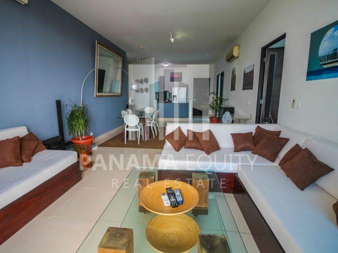 Beautiful apartment on the ever-popular Balboa Avenue.