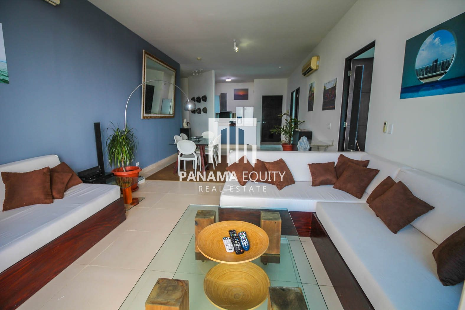Tranquil Two Bed Apartment On Balboa Avenue