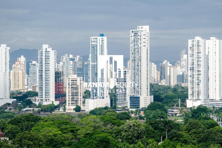 Image of the San Francisco skyline in Panama City.