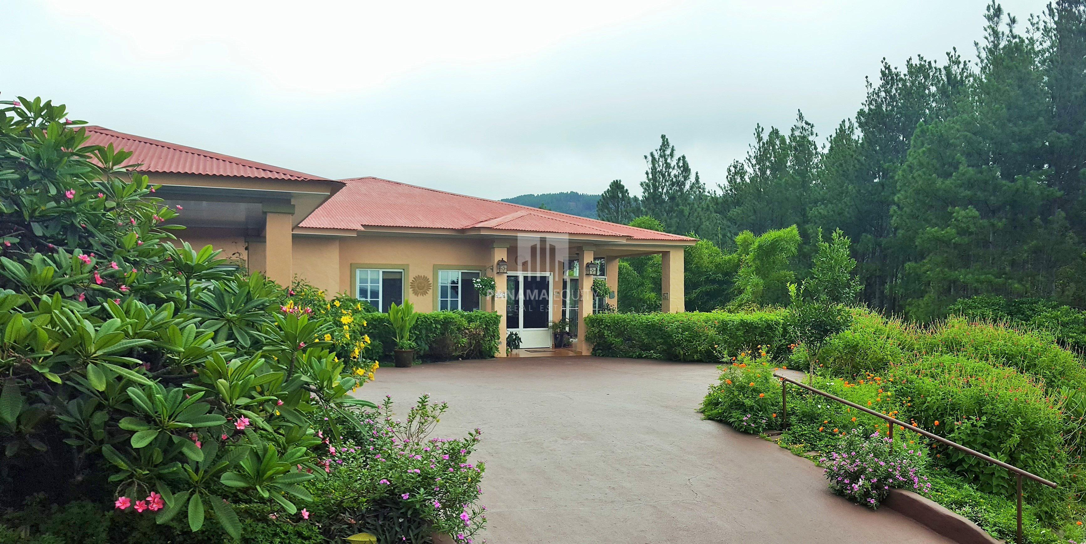 Mountain House in Altos del Maria Valley