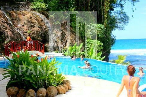 Caribbean Beachside Apartment for sale Bocas del Toro Panama (4)