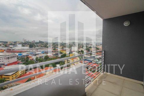 balcony-city-apartment-el-carmen