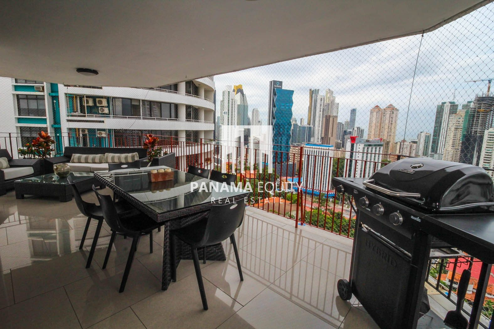 Wake Up To Sprawling City And Ocean Views – La Cresta