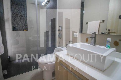 bathroom-city-apartment-el-carmen
