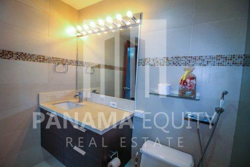 bathroom-luxury-apartment-punta-pacifica