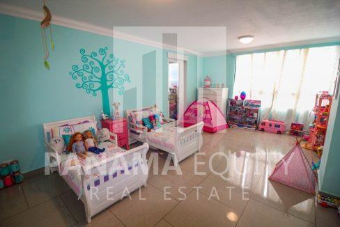 bedroom-penthouse-apartment-la-cresta-panama(1)