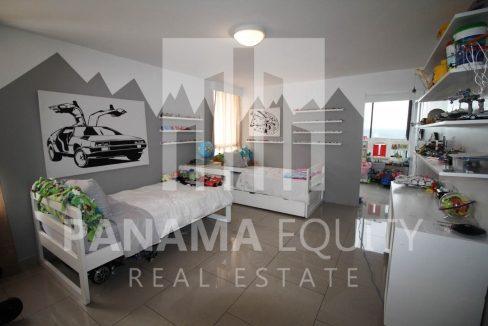 boys-bedroom-penthouse-apartment-la-cresta-panama