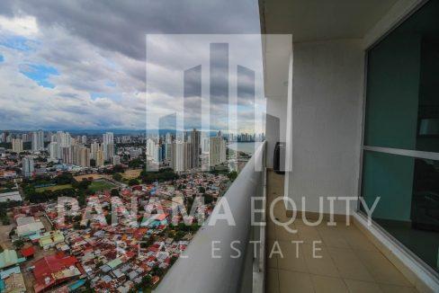 master-bedroom-balcony-luxury-apartment-punta-pacifica