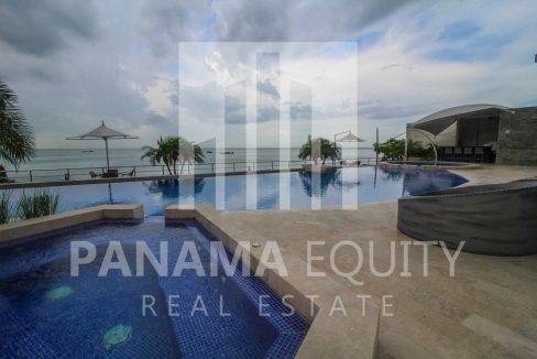 pool-luxury-apartment-punta-pacifica