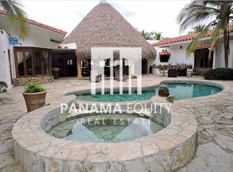 House Near the Beach in Punta Barco Panama
