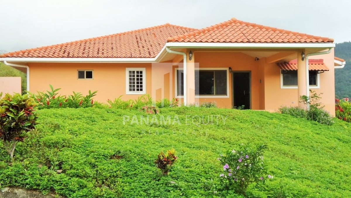 Muntain House For sale in Altos del Maria Panama 1