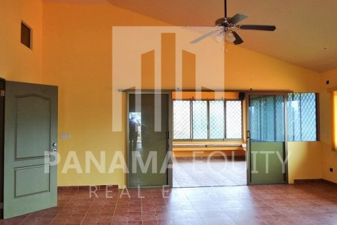 Muntain House For sale in Altos del Maria Panama 2