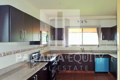 Muntain House For sale in Altos del Maria Panama 3