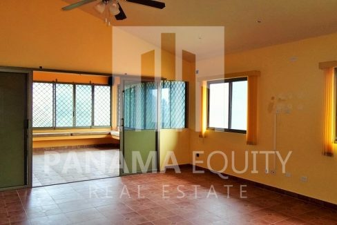 Muntain House For sale in Altos del Maria Panama 4