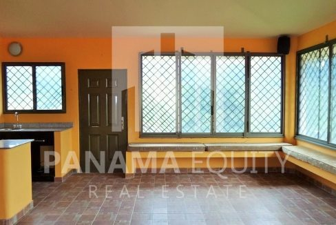 Muntain House For sale in Altos del Maria Panama 5