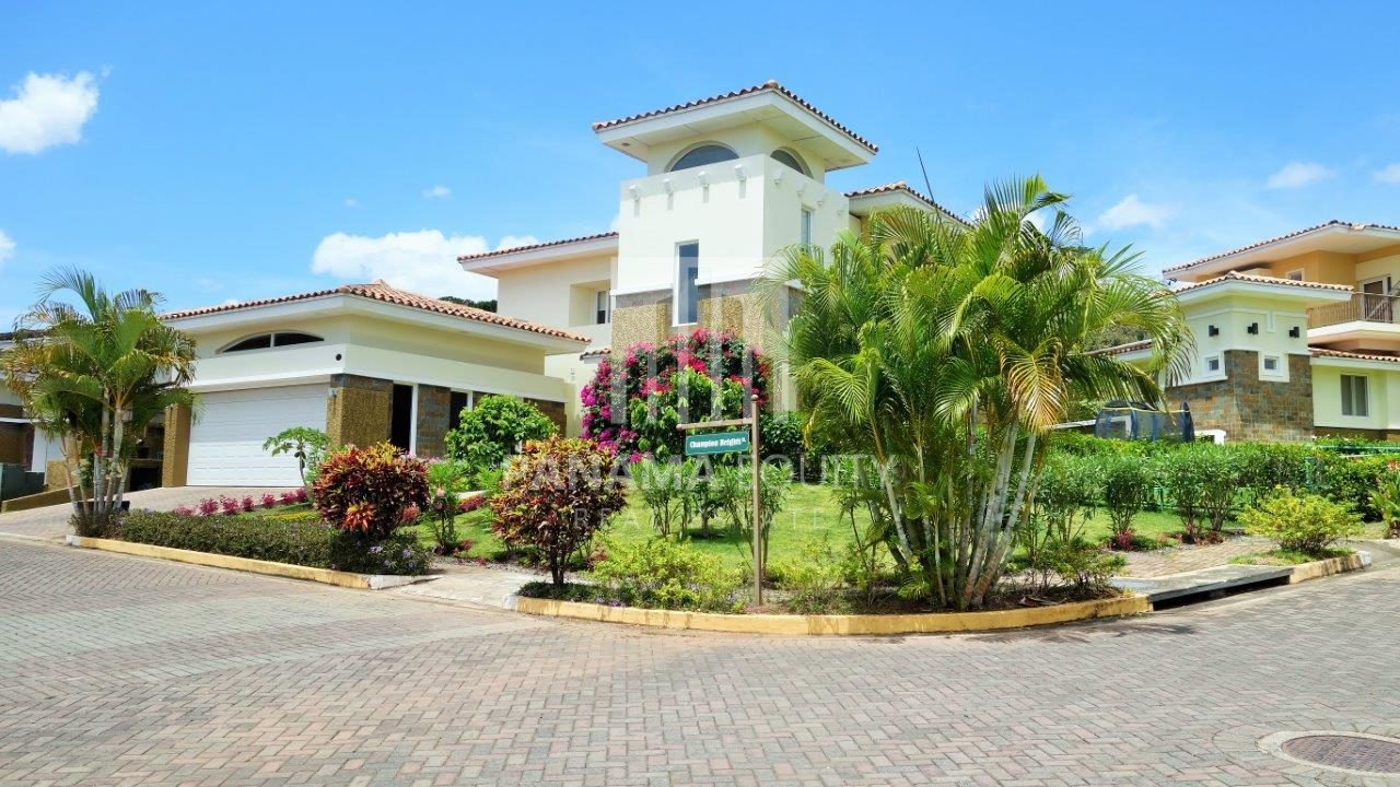 Villa Champions – Corner House in Tucan Golf Club