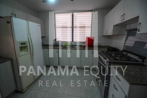 kitchen-panama-city-apartment-sale-el-cangrejo
