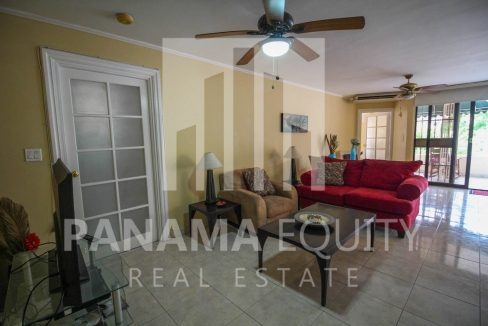 living-room-panama-city-apartment-sale
