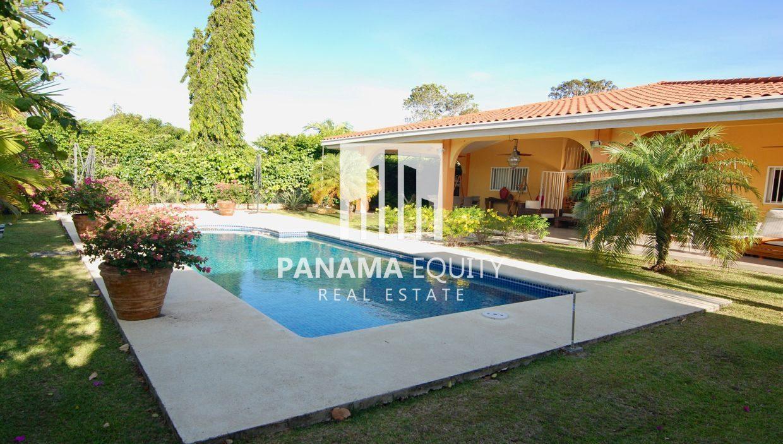 House in Coronado for Sale – Spacious Residence