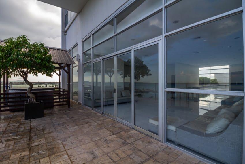 White Avenida Balboa Panama Apartment for Sale-28