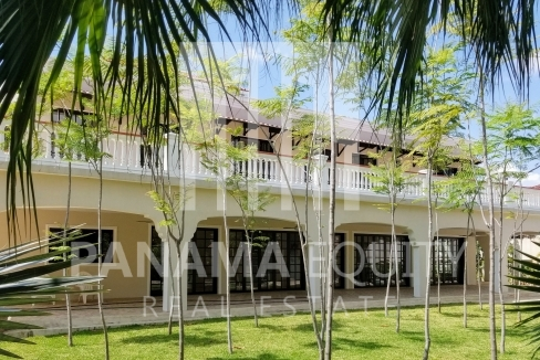 altos del golf panama home for sale