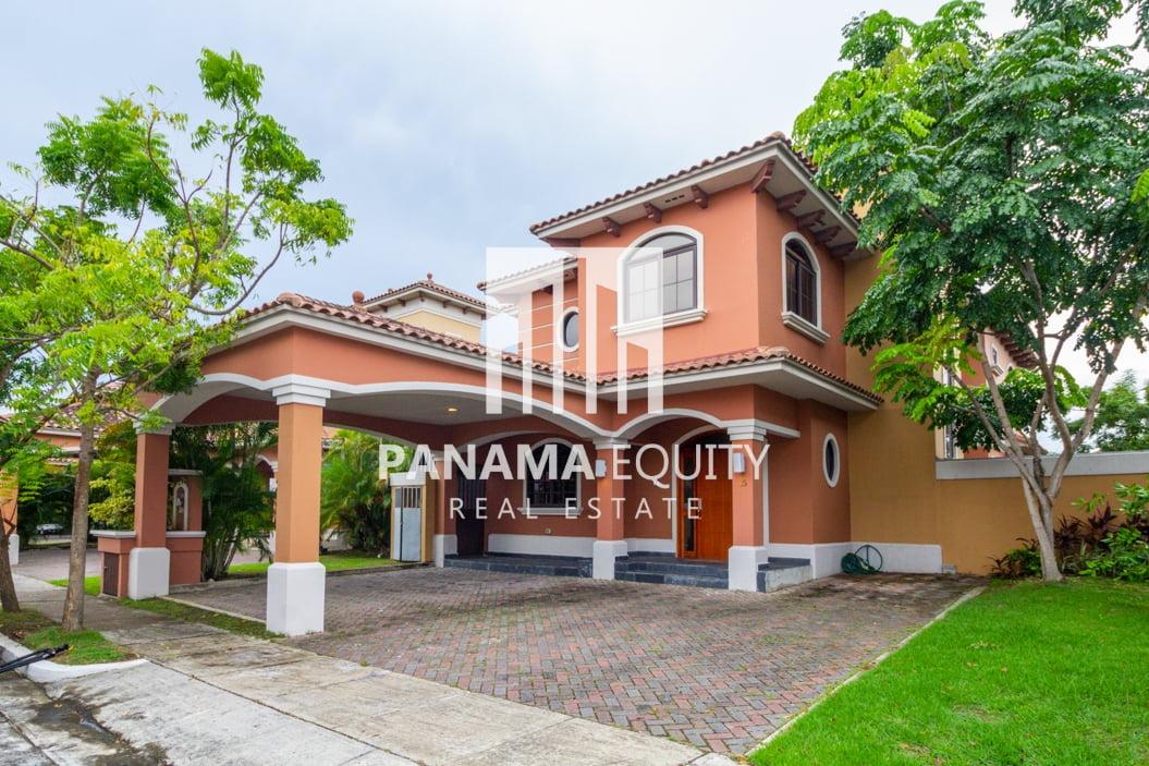 Four Bedroom House for Sale in El Doral Costa Sur
