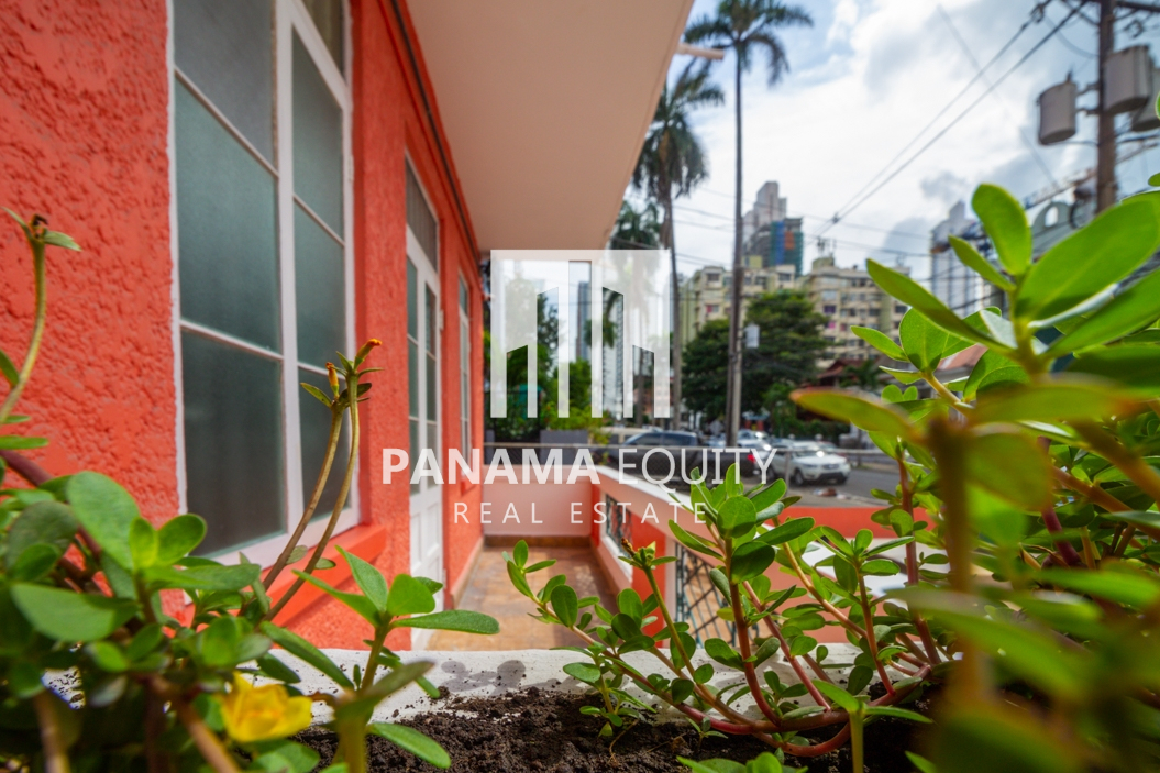 Two bedroom Apartment Newly Remodeled in Bella Vista for Rent