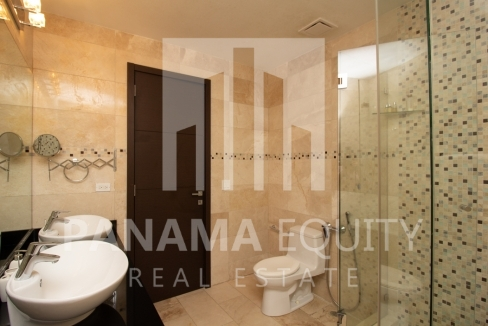 Grand Tower Panama Apartment for Rent-011