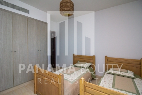 Grand Tower Panama Apartment for Rent-013
