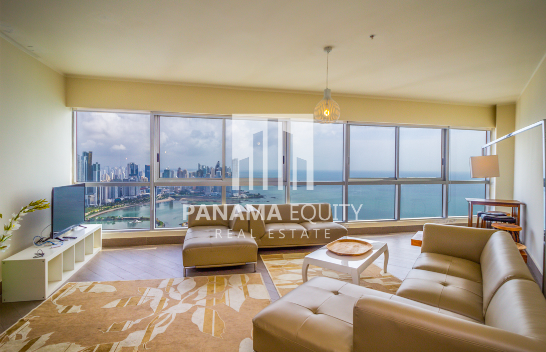 Incredible Views from Every Window in this Avenida Balboa Penthouse for Rent in Rivage