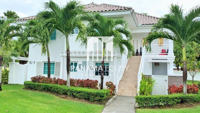 Villa Bijao- En Planta Baja con Patio
