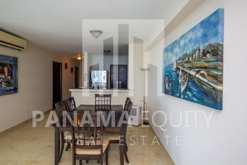 Bayfront Avenida Balboa Panama Apartment for Rent-005
