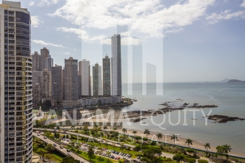 Bayfront Avenida Balboa Panama Apartment for Rent-011