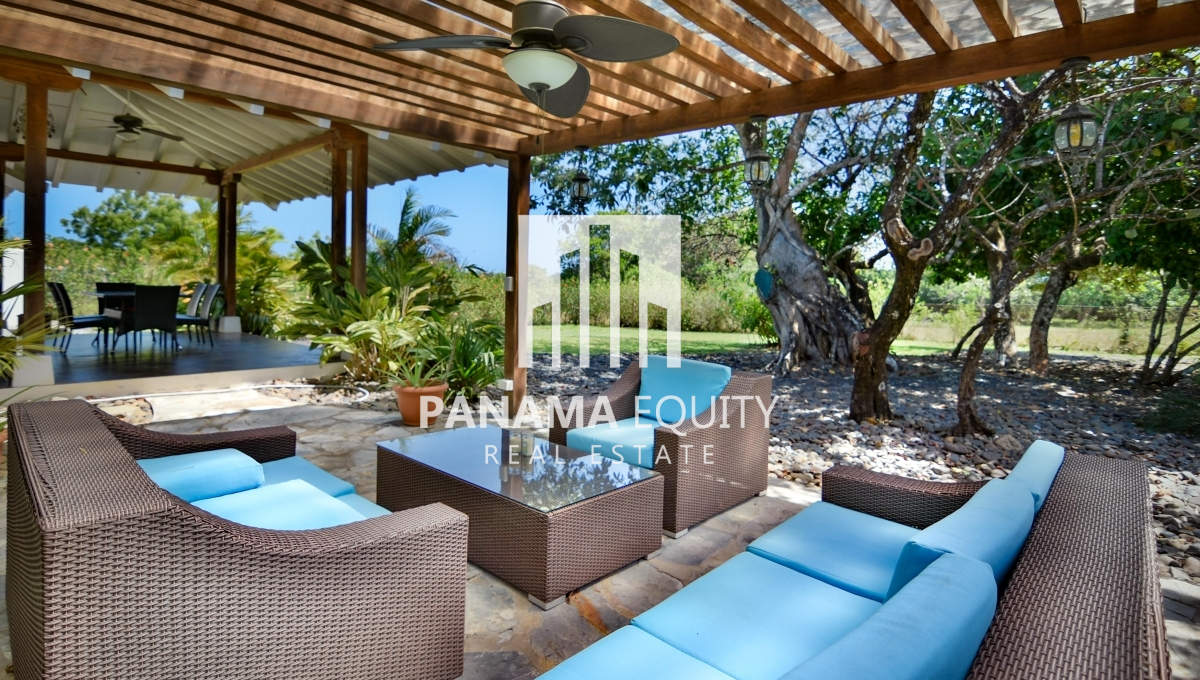 Luxury home with lots of extras in Pedasi