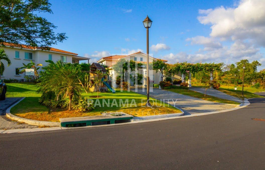 Casa Mar Villa Panama for Sale