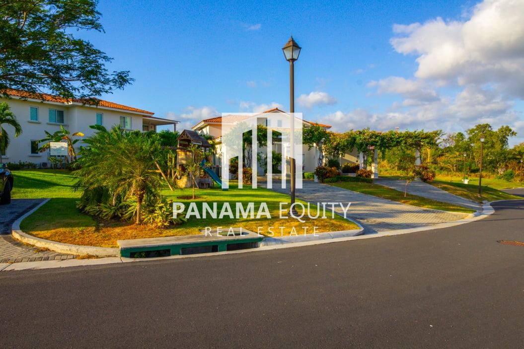 Modern Panama Beach Home in Casa Mar, San Carlos