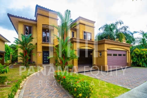 Embassy Club Forest Estates Clayton Panama for Rent-001