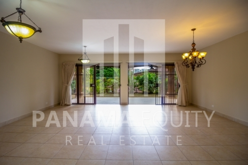 Embassy Club Forest Estates Clayton Panama for Rent-002