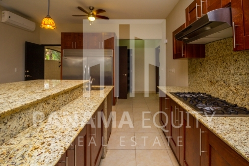 Embassy Club Forest Estates Clayton Panama for Rent-005