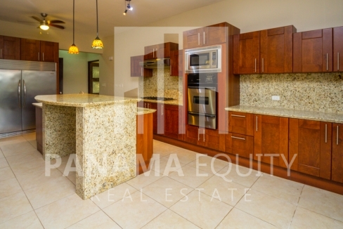 Embassy Club Forest Estates Clayton Panama for Rent-007