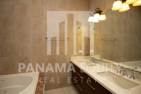 Embassy Club Forest Estates Clayton Panama for Rent-009