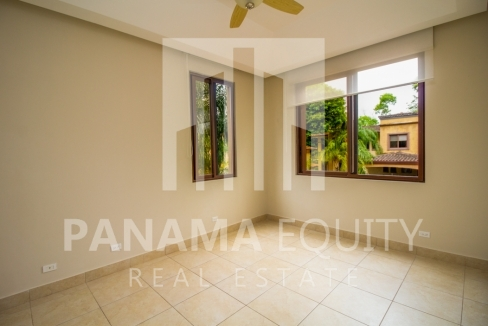 Embassy Club Forest Estates Clayton Panama for Rent-013