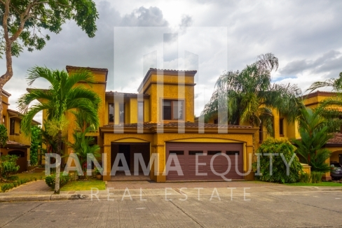 Embassy Club Forest Estates Clayton Panama for Rent-019