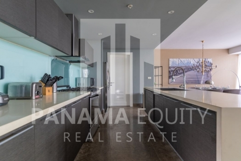 One_bedroom apartment_in_Yoo_Panama_for_sale_kitchen