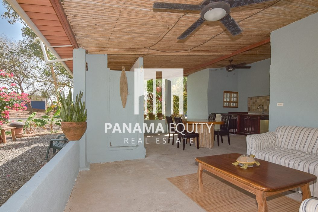 Affordable two bedroom home on huge lot in the center of Pedasi town