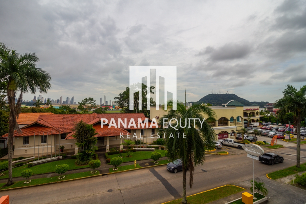Albrook Point 2 Bedroom: Close to Embassies and Schools