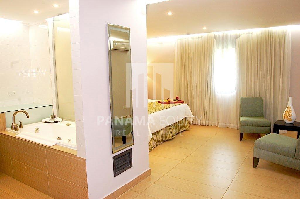 El Cangrejo Panama Hotel for Sale