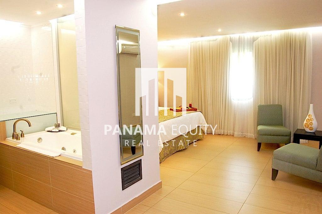 3 Star Hotel For Sale in El Cangrejo Panama City