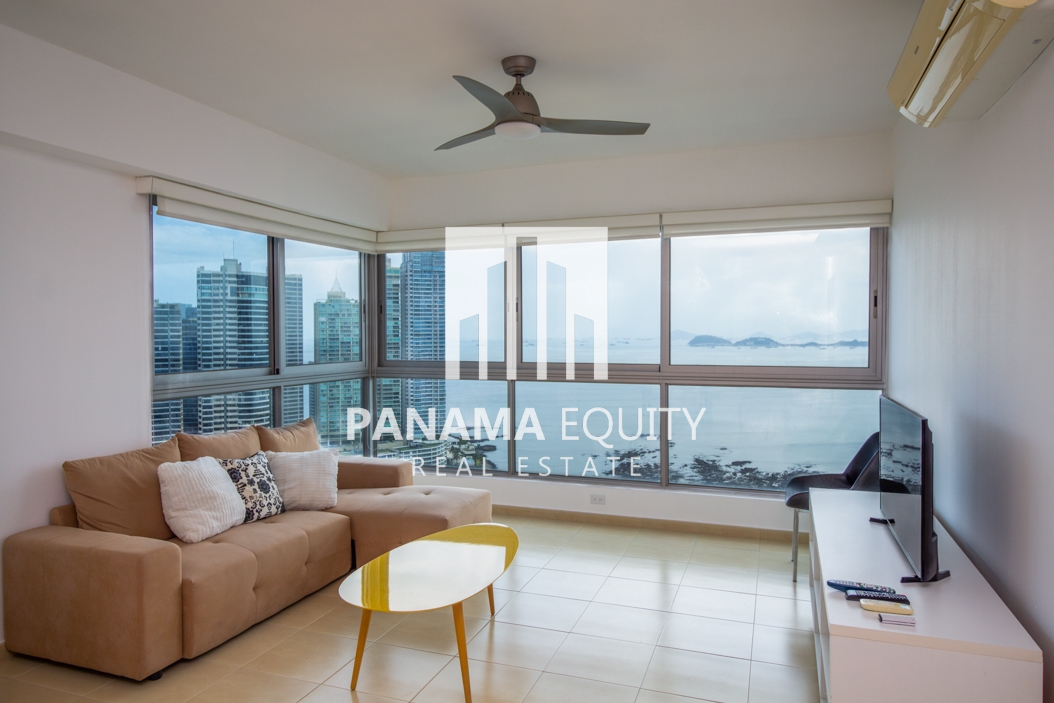 Grandbay Panama: Oceanfront, Tidy, and Renter-Friendly
